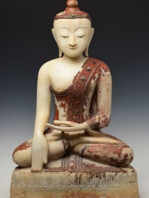 Buddha birmano seduto
