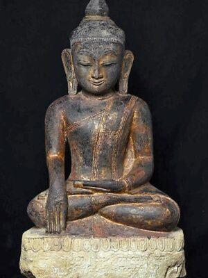 Buddha birmano seduto, in arenaria